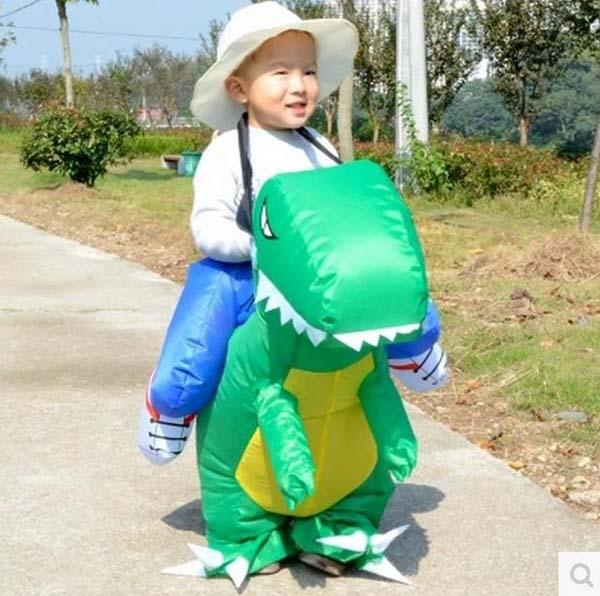 Đồ chơi khủng long bơm hơi cho bé