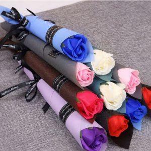 Hoa hồng sáp thơm 1 bông quấn giấy thắt nơ