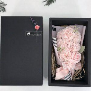 Hộp hoa sáp cẩm chướng 11 bông sang trọng