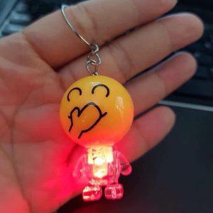 Bán buôn Móc chìa khóa Emoji phát sáng