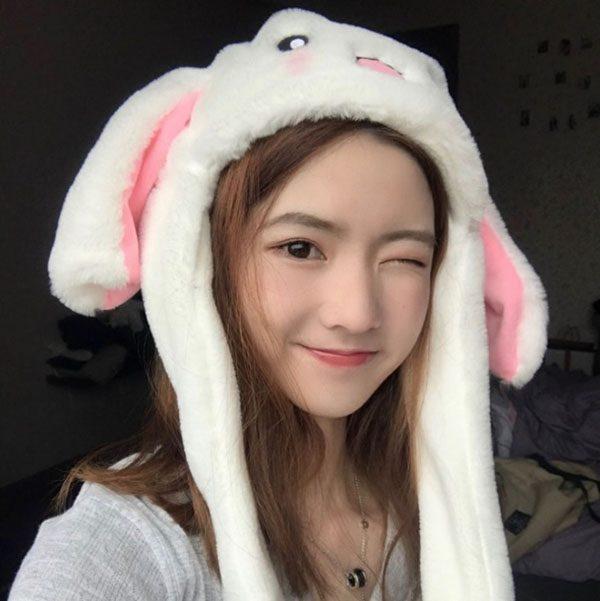 Mũ lông tai thỏ giật màu trắng